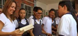 Colombia.- Estudiantes recibieron 10 juegos de ajedrez