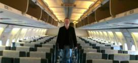 El hombre que fue único pasajero en un 737, y lo dejaron en clase Turista