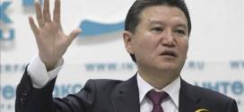 El presidente del ajedrez mundial deja el cargo 'temporalmente' acusado de vínculos con Assad