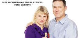 El Gran Maestro Internacional de Ajedrez Miguel Illescas visita Granada