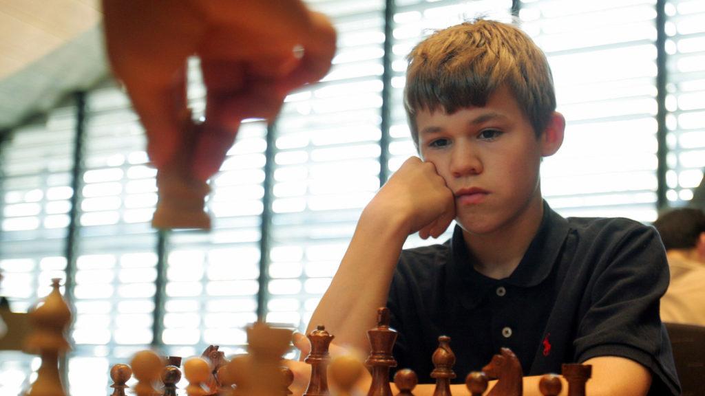 Carlsen, con 14 años, durante una de sus primeras competiciones oficiales. Gtres