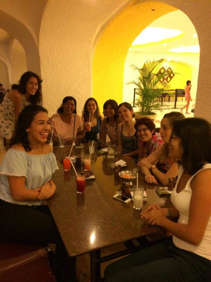 Participantes del Continental en Manzanillos (Foto facebook Deysi Cori)
