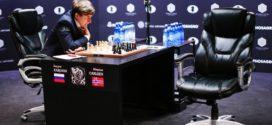 Carlsen sufre para firmar tablas en la novena partida
