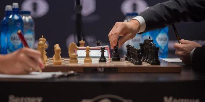 Carlsen vs Karjakin empatan en la Onceava Partida del Mundial de Ajedrez