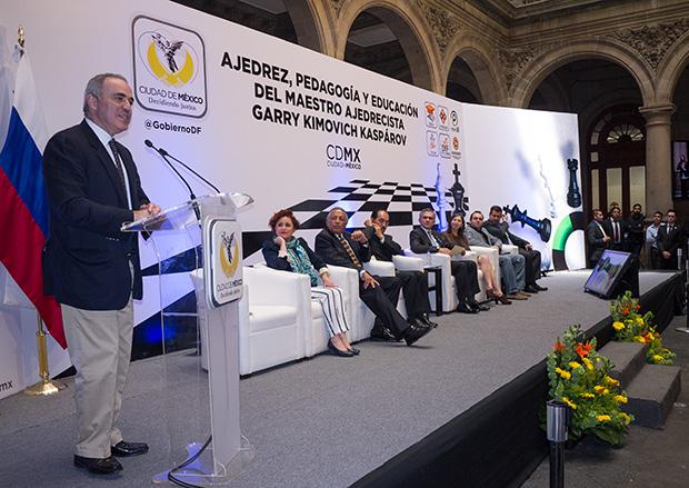 """""""¿Quién es Kariakin?"""", contestó recientemente en México, al ser preguntado por las oportunidades de su compatriota ante Carlsen."""