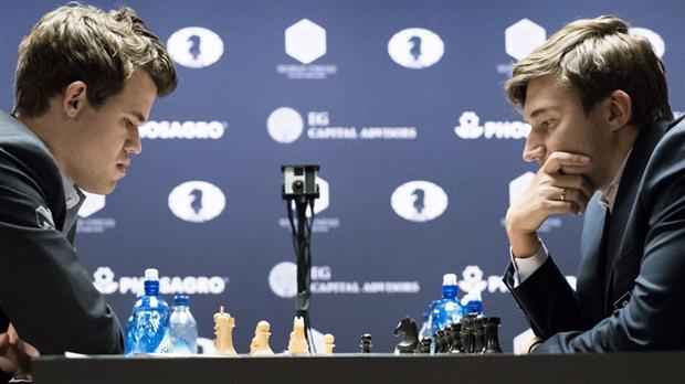 A dos partidas del final, Carlsen consiguió emparejar la serie mundial.