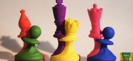 Magia, poesía y amor entre tres, sobre un tablero de ajedrez