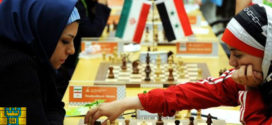 El Mundial de ajedrez arranca en Teherán sin la número 1 y envuelto en polémica