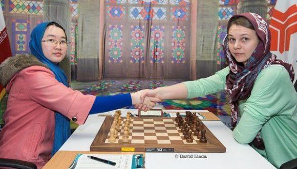 Mundial de ajedrez (f) se definirá en partidas de desempate