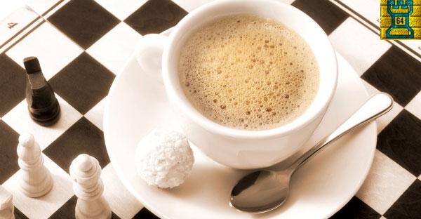 ¿Es la cafeína una droga para el ajedrez?