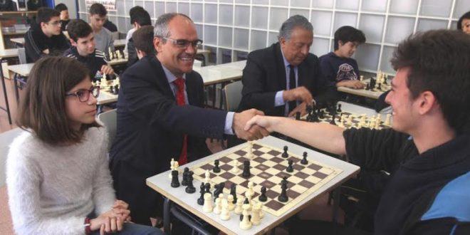 La práctica del ajedrez en los Institutos públicos como herramienta educativa