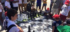 Niños de La Habana Vieja descubren el ajedrez en las Casas de Abuelos