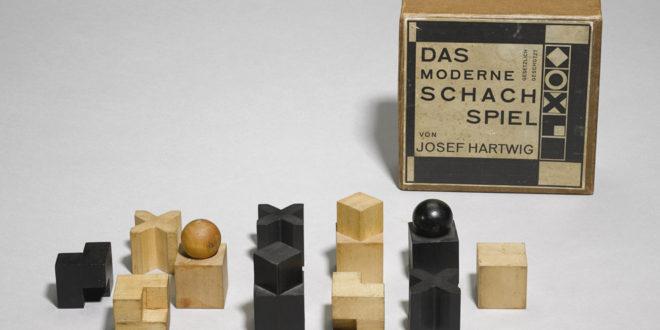 A subasta el ajedrez más preciado de la Bauhaus que podría llegar a costar 44.000 euros