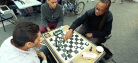 El hombre de Nueva York que gana $400 por día jugando ajedrez