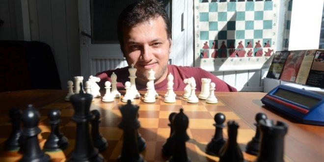 Argentina.- Raúl Claverie: sacar el ajedrez a la calle
